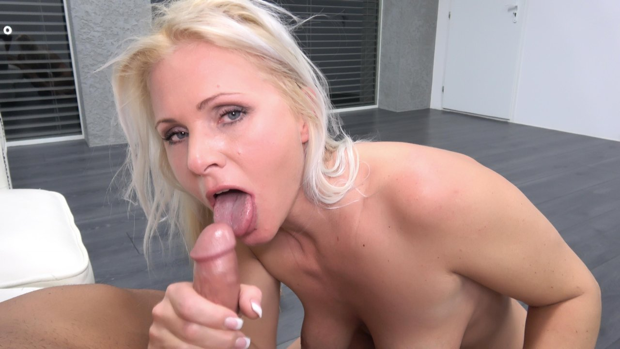 Not pay blonde sexbomb pov blowjob
