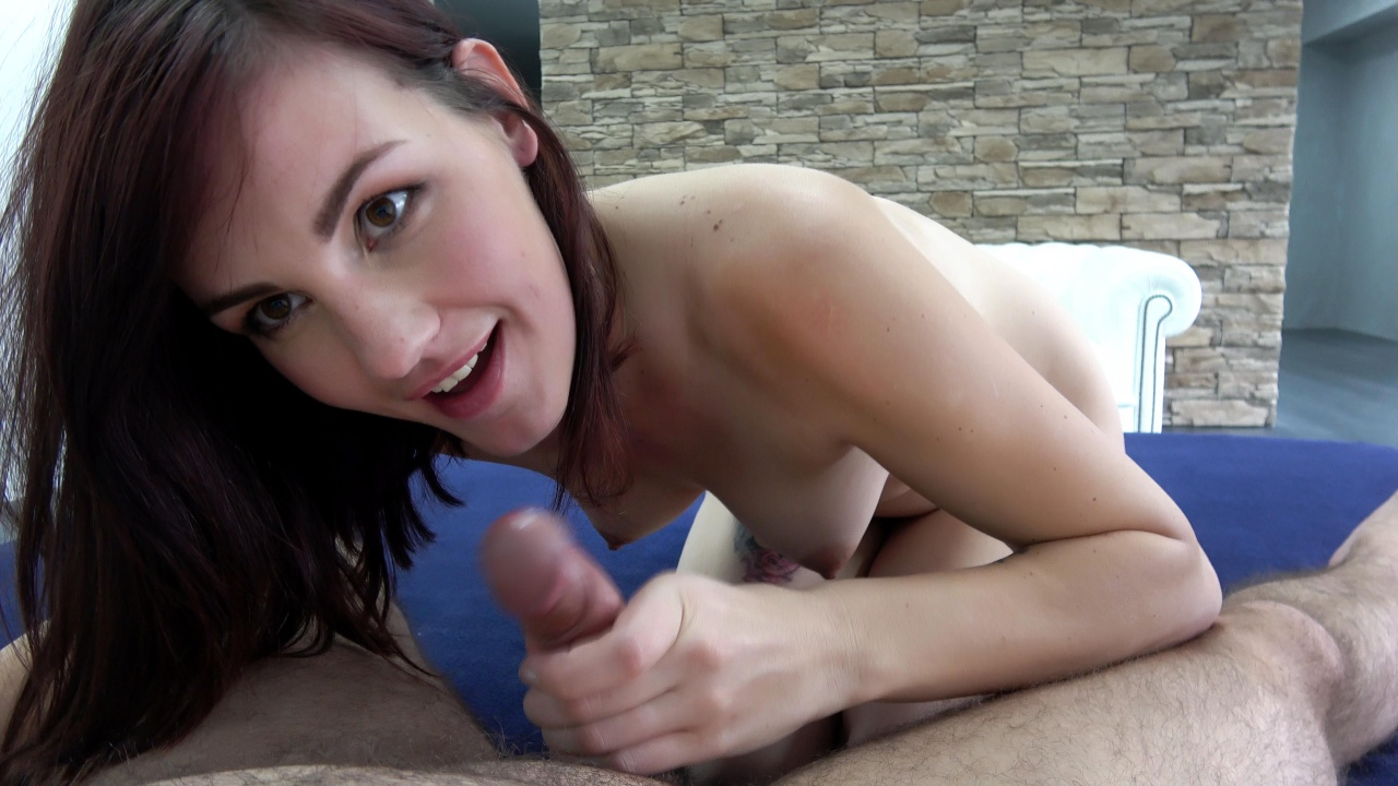 Cockmeat sandwich for hot redhead